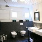 Badkamerrenovatie-modern-strak-sanitair-duurzaam-Reva-BV